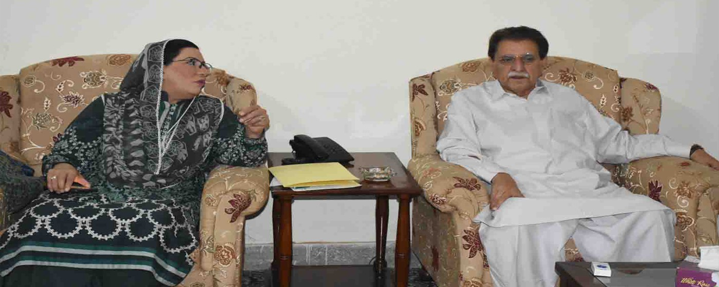Mirpur: PM AJ&K Raja Muhammad Farooq Haider Khan in a meeting with special assistant to PM Pakistan on Information and Broadcasting Dr. Firdos Ashiq Awan regarding Earth Quake in Mirpur.