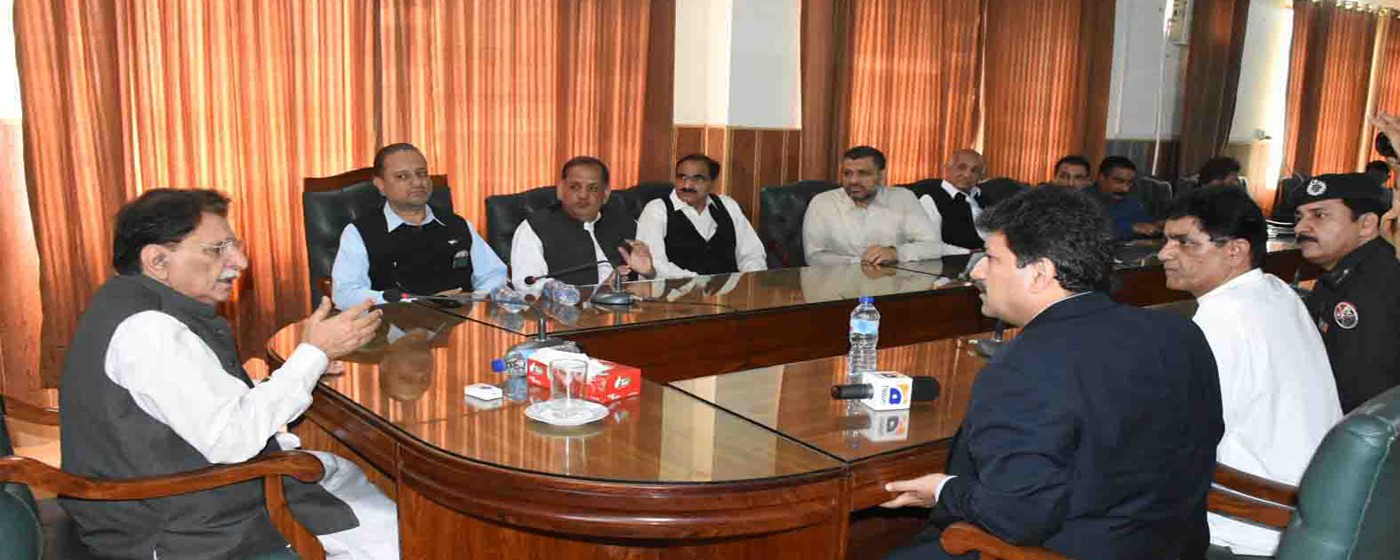Mirpur: PM AJ&K Raja Muhammad Farooq Haider Khan addresses to a briefing on devastating earthquake in Mirpur.